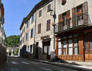 Entree-Rue-La-Tulipe-Sauvage