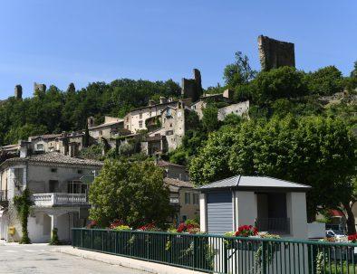 Vue-Village-de-Bourdeaux-26460-001