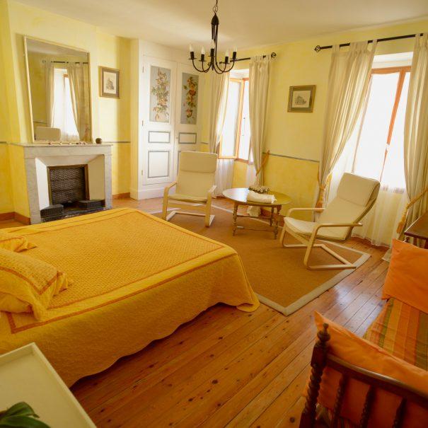 Chambre d'hôte Jaune - La Tulipe Sauvage