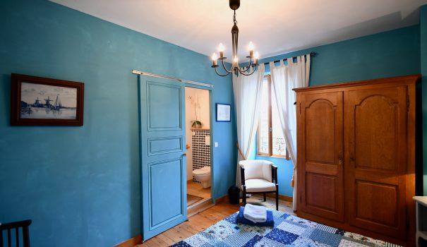Chambre-Bleue-La-Tulipe-Sauvage-001